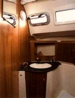 The toilet/wc (heads) of the Jeanneau Sun Odyssey 32 sailing yacht. Image courtesey & with permission of Chantiers Jeanneau S.A.