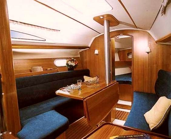 The Jeanneau Sun Odyssey 32 main cabin. Image courtesey & with permission of Chantiers Jeanneau S.A.