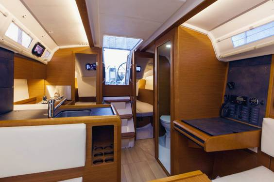 The Jeanneau Sun Odyssey 349 main cabin. Image courtesey & with permission of Chantiers Jeanneau S.A.