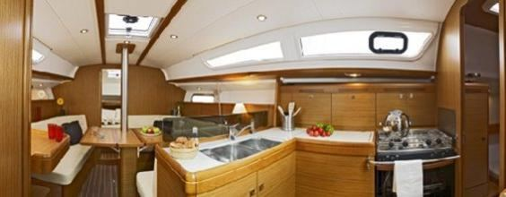 The Jeanneau Sun Odyssey 36i main cabin. Image courtesey & with permission of Chantiers Jeanneau S.A.