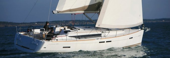 Jeanneau 439 sailing yacht available from Greek Sails for flotilla holidays & bareboat yacht charter from Poros, Greece. Image courtesey & with permission of Chantiers Jeanneau S.A.
