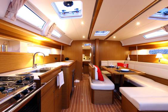 The Jeanneau Sun Odyssey 44i main cabin. Image courtesey & with permission of Chantiers Jeanneau S.A.