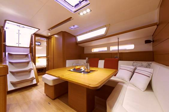 The Jeanneau Sun Odyssey 469 main cabin. Image courtesey & with permission of Chantiers Jeanneau S.A.