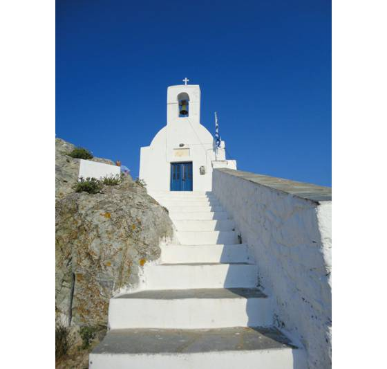 Sailing holiday locations in Greece: The church at the top of the chora from where you can gaze down on Livádhi and Órmos Livádhiou, Nísos Sérifos