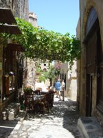 The narrow and picturesque lanes of Monemvasia are an enchanting place to wander around, taking you back hundreds of years