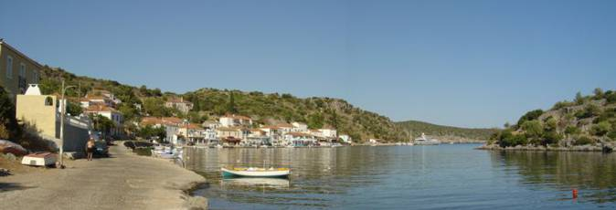 The quiet and sheltered 'fjord' at Yérakas. A beautiful and quiet sailing holiday location